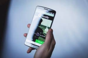 Alexa Spotify smartphone